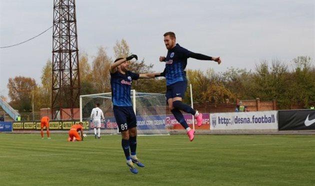 Денис Безбородько (справа), UA-Футбол