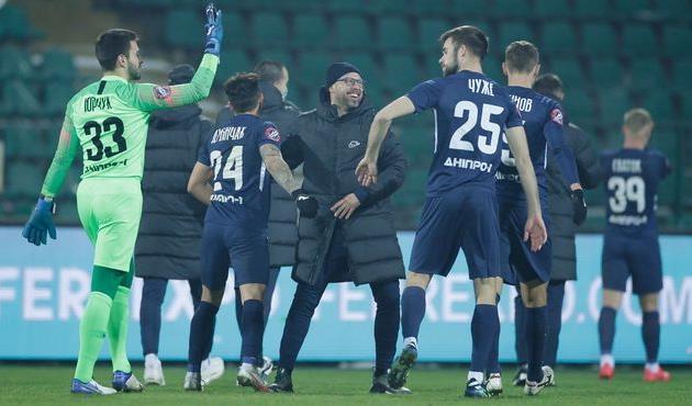 Радость игроков и главного тренера Днепра-1, фото СК Днепр-1