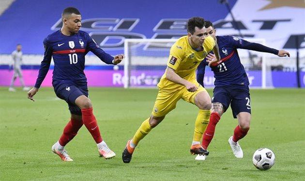 Николай Шапаренко в матче против сборной Франции, Getty Images