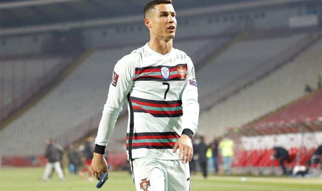 Криштиану Роналду в матче против Сербии, Getty Images