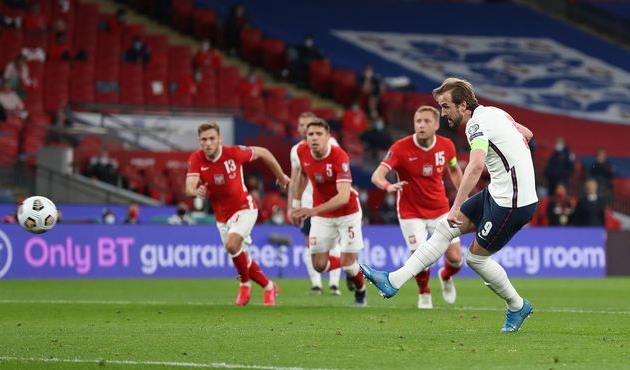 Удар лучшего пенальтиста в истории сборной Англии в матче против Польши, Getty Images