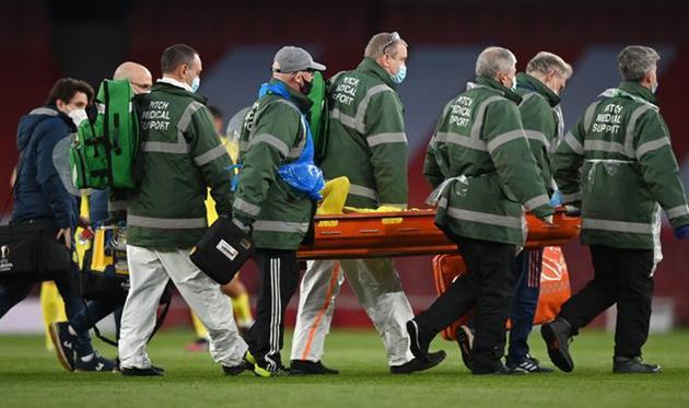 Травма Самуэля Чуквезе в ответном матче против Арсенала, Getty Images