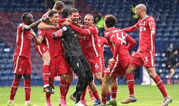 Игроки Ливерпуля после гола Алиссона в ворота Вест Бромвича, Getty Images
