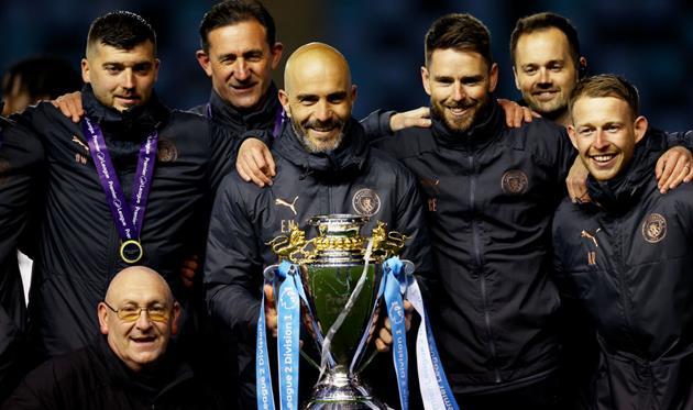 Энцо Мареска (с титулом Премьер-лиги 2), Getty Images