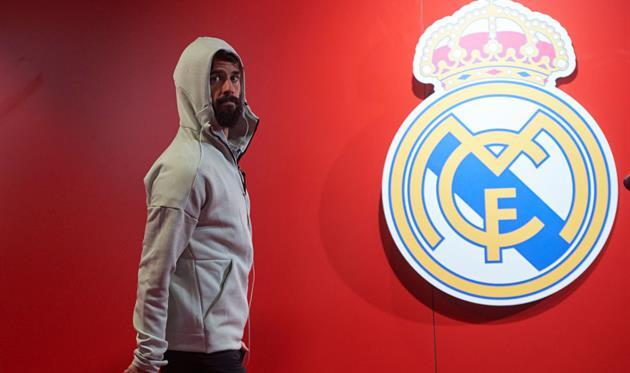 Иско стало плохо на тренировке Реала — он вакцинировался от коронавируса