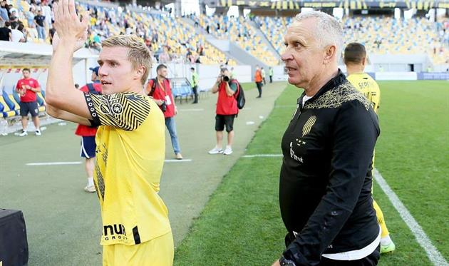Леонид Кучук (справа), фото ФК Рух