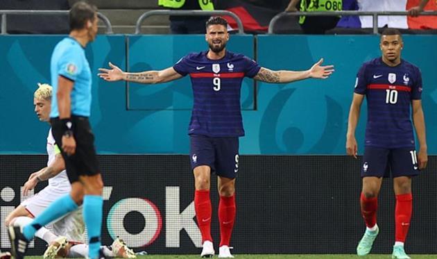 Жиру не попал в заявку сборной Франции на матчи отбора ЧМ-2022 против Украины и Финляндии