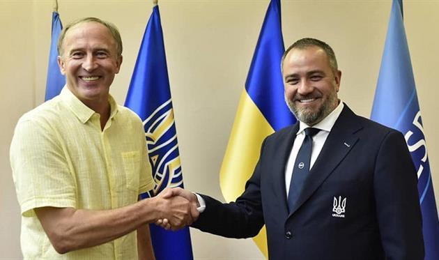 УАФ представит тренерский штаб Петракова 29 августа