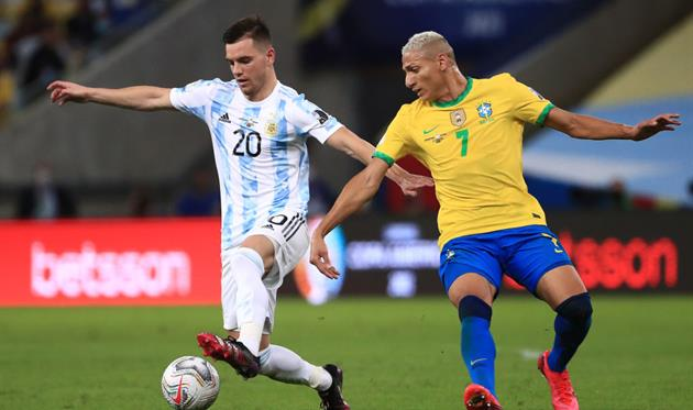 Агентство здравоохранения Бразилии требует, чтобы четыре игрока сборной Аргентины покинули страну