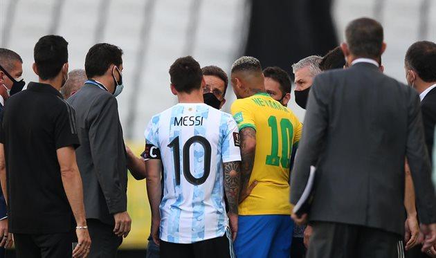 Видео происходившего на поле в матче Бразилия — Аргентина