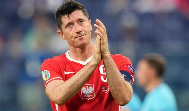 Польша забила семь Сан-Марино, уверенная победа Румынии и ничья Греции против Косово