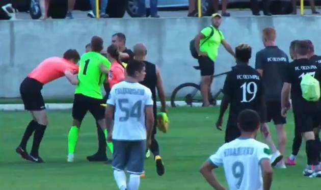 КДК УАФ пожизненно отстранил от футбола тренера Олимпии за избиение судьи