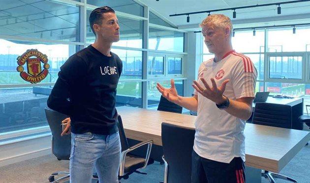 Роналду провел первую тренировку на базе МЮ после возвращения