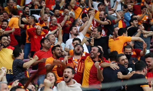Лига Европы. Группа E: Галатасарай оказался сильнее Лацио, Локомотивом чудом спасся в матче с Марселем