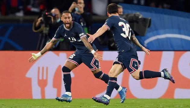 Лионель Месси празднует гол в ворота Манчестер Сити, Getty Images