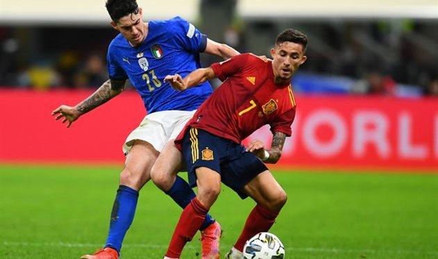 Йереми Пино (на переднем плане) в матче против Италии, Getty Images