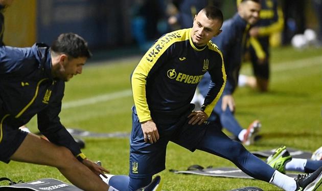Александр Зубков (справа) на тренировке сборной Украины, УАФ