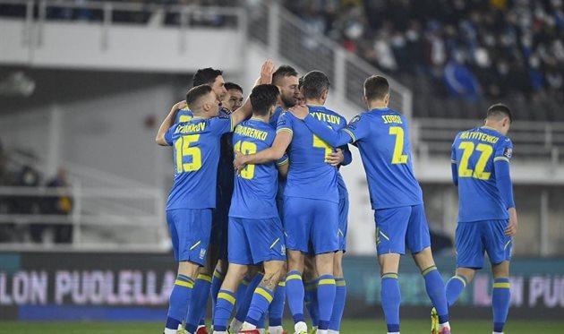 Игроки сборной Украины празднуют гол, фото: УАФ