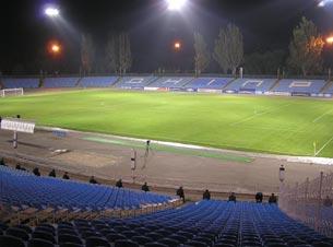 Самый принимающий стадион за 17 чемпионатов - днепропетровский Метеор