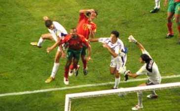 Харистеас забивает главный мяч чемпионата