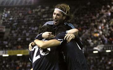 Реал празднует первый гол, Reuters