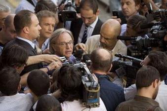 Диего Делла Валле и журналисты, Reuters