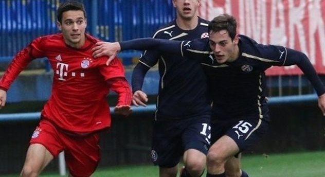 Домашнее поражение от Баварии не помешало юношам загребского Динамо выйти в 1/8 финала, uefa.com