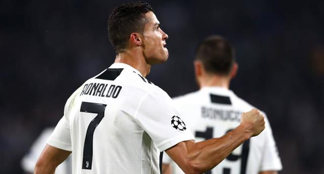 Роналду — автор лучшего гола недели в Лиге чемпионов