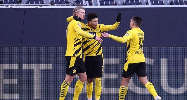 Холанд, Ройс и Санчо возглавят атаку Дортмунда в матче с Севильей